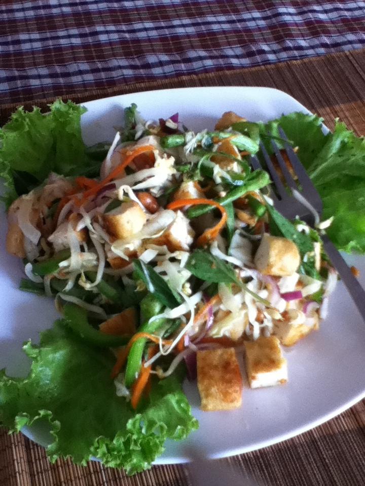 Kompong Cham Khmer food restaurant salad